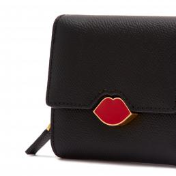 BLACK POP OUT LIP SAFFIE WALLET