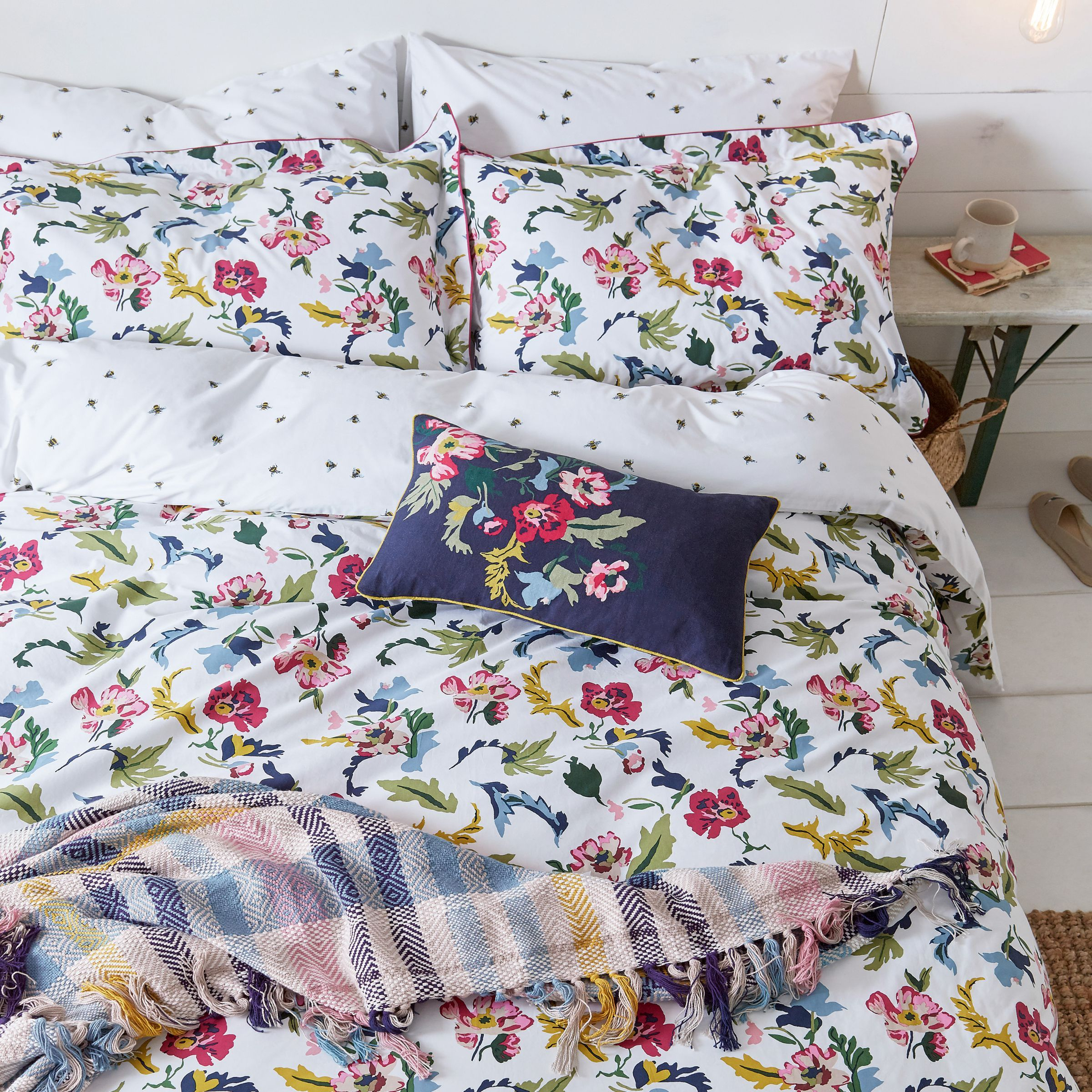 Cambridge Floral | Floral pillowcase
