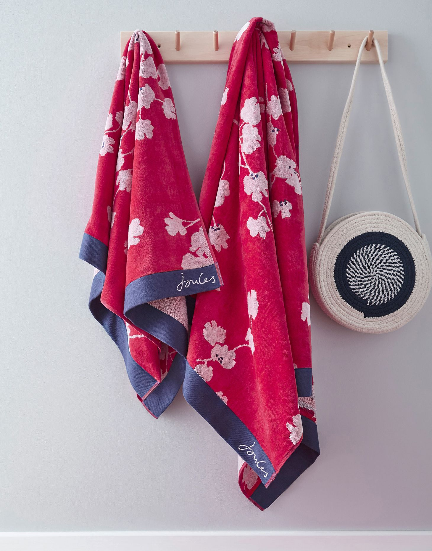 PENZANCE FLORAL HAND TOWEL RED