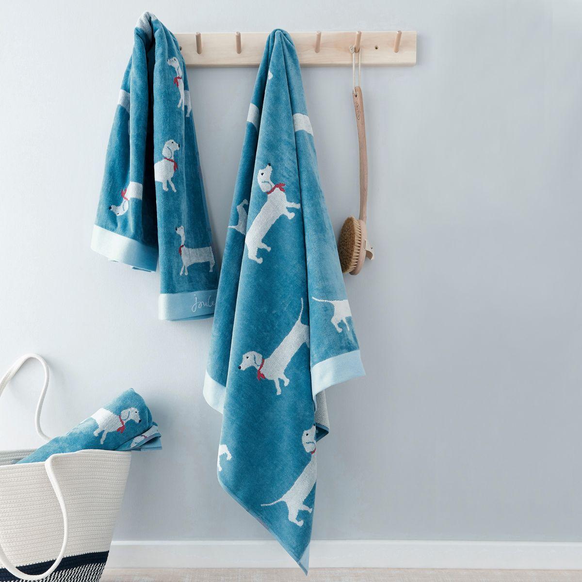 SAUSAGE DOG BATH TOWEL BLUE