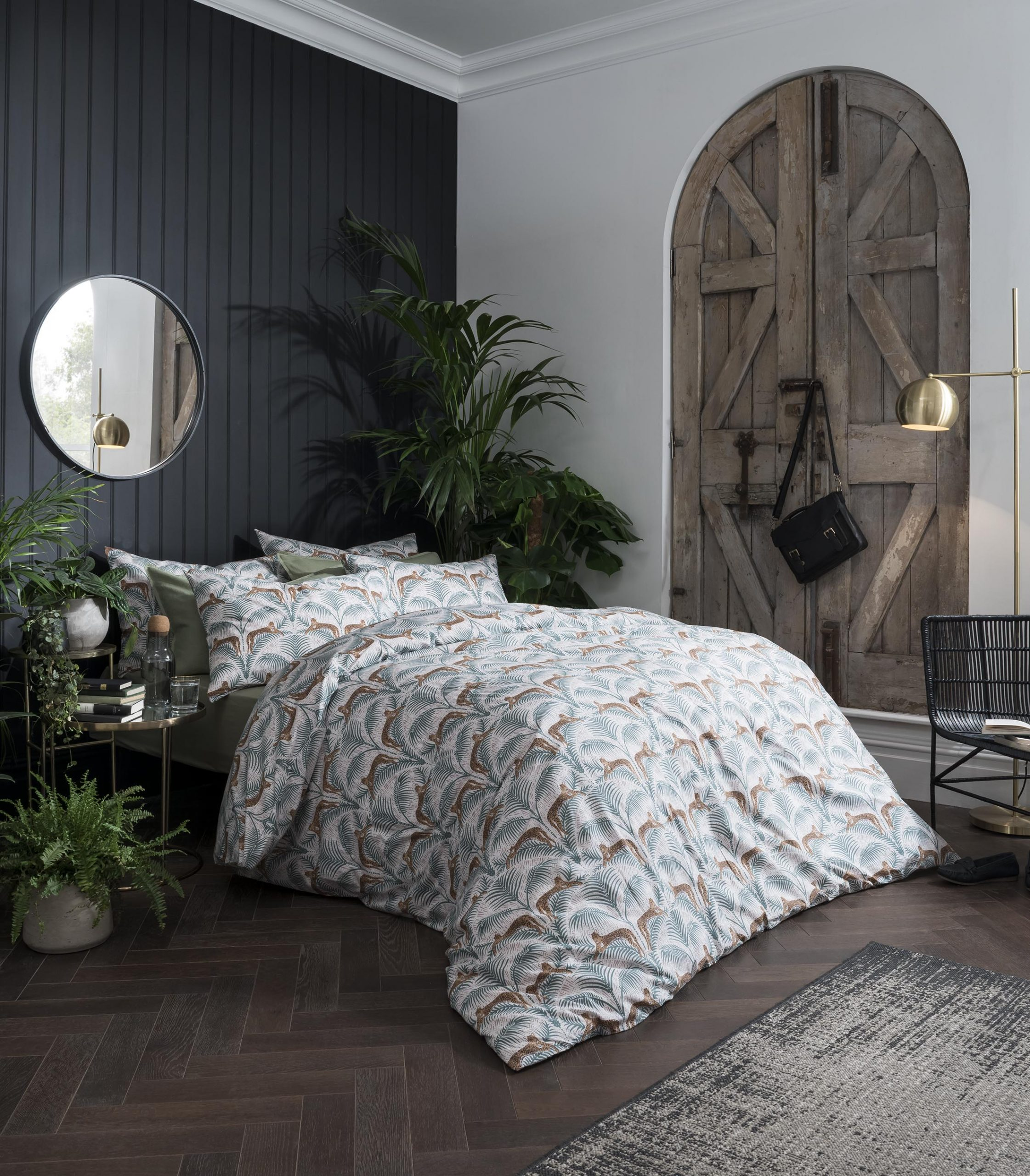 LOUNGING LEOPARDS FERN GREEN DOUBLE DUVET COVER