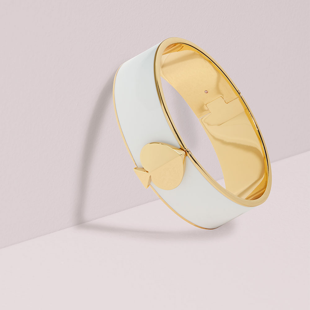 HERITAGE SPADE THICK GOLD BANGLE - WHITE