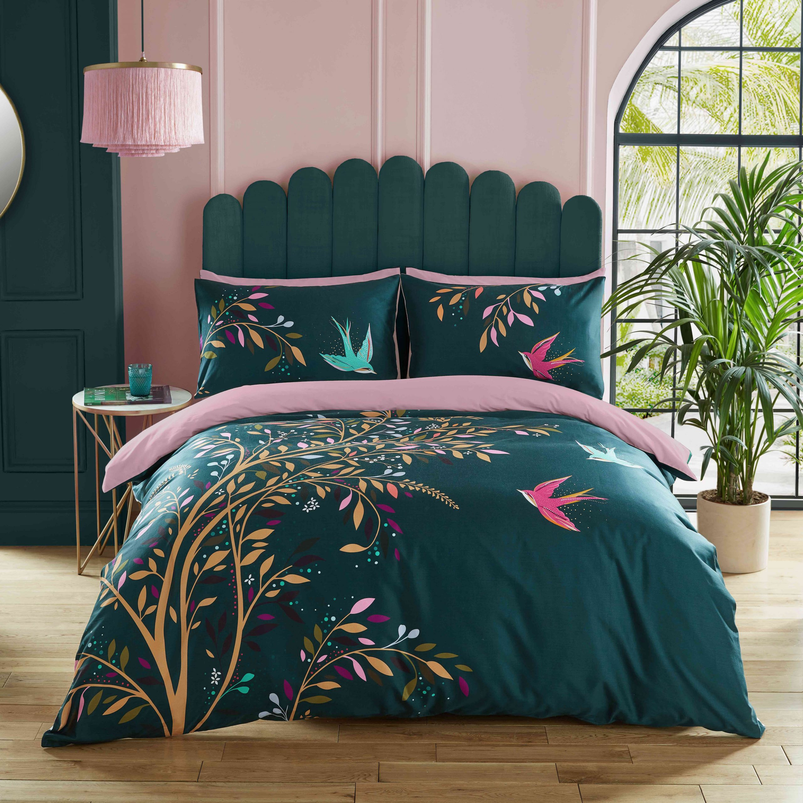 DANCING SWALLOWS DOUBLE QUILT SET - GREEN